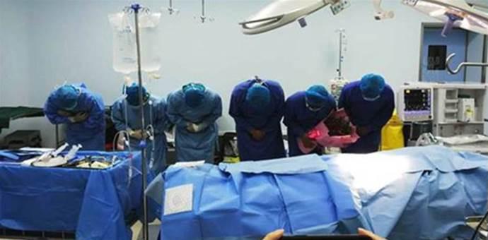 29歲婷婷,年輕媽媽生下寶寶再也沒睜開眼睛,家人含淚捐器官,讓5人獲新生